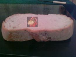 Pâine tăiată cu toporu