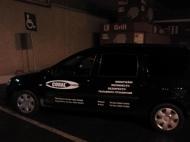 Şofer din întâmplare: Maşina firmei CORAL, parcatăilegal