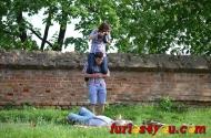 FOTOGRAFIA SĂPTĂMÂNII: Prietenii la nevoie se cunosc, când nu ai obiectivwide!:))
